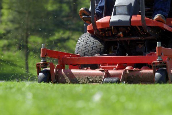 bourg la lawn service
